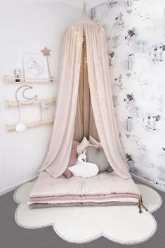 Reading nook We have curated Teenage girl bedroom ideas and inspirations tha. - Reading nook We have curated Teenage girl bedroom ideas and inspirations that will help you. Bedroom Decor For Teen Girls, Teenage Girl Bedrooms, Girl Bedroom Designs, Baby Bedroom, Bedroom Ideas For Tweens, Girls Bedroom Canopy, Princess Room, Toddler Rooms, Little Girl Rooms