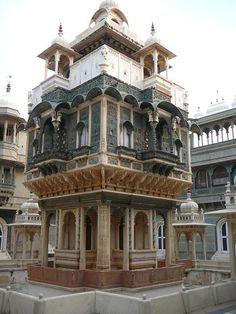udai bilas palace.  Use as reference for Taj Cabana- 2 tone.