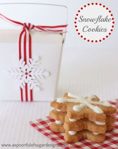 35 Delicious Cookies and Treat Recipes over at the36thavenue.com Pin it now and save them for later!