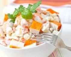 Salade de pommes de terre au surimi : http://www.fourchette-et-bikini.fr/recettes/recettes-minceur/salade-de-pommes-de-terre-au-surimi.html