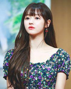 Oh My Girl Yooa, Long Length Hair, Female Singers, Bellisima, Hair Lengths, Kpop Girls, Asian Beauty, Actresses, Celebrities