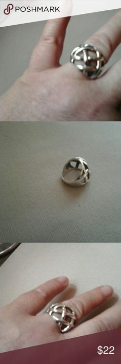 Sterling silver  Ring,  Sz 7 Great Ring in nice condition,  Size 7 Jewelry Rings