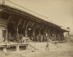 Sanjusan Temple, Japan. Temple of the 38.000 bronze idols. Photo one of a series of 42 albumine prints at Spaarnestad Photo by Felice Beato, Kusakabe Kimbei or Raimund baron von Stillfried. Japan [around 1868-1895].