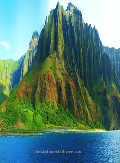 Kauai, Hawaii: The Napali Coast. Saw manta ray, dolphins in the 100's, sea tu… Kauai, Hawaii: The Napali Coast. Saw manta ray, dolphins in the 100's, sea turtles, seals and beautiful humpback whales. .. #Adventure #Travel .. http://www.bestplacestotravel.us/2017/05/10/kauai-hawaii-the-napali-coast-saw-manta-ray-dolphins-in-the-100s-sea-tu/