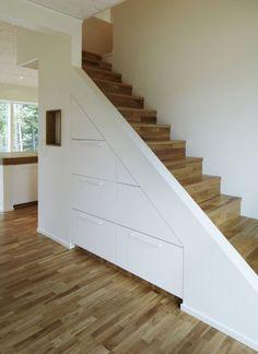 Narrow stair storage