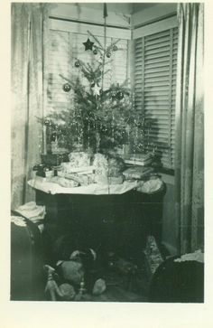 Small Christmas Tree Balls Star Tinsel Living Room Table Telephone Gifts Vintage Black and White Vintage Photo Photograph Christmas Tree Images, Ghost Of Christmas Past, Vintage Christmas Photos, Small Christmas Trees, Merry Christmas To All, Retro Christmas, Little Christmas, Christmas Pictures, All Things Christmas