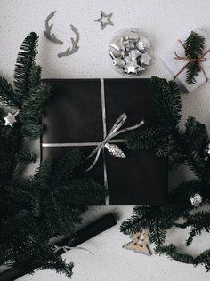 """""""Какая красивая упаковка! Хоть подарок не открывай!"""" Когда мы постарались, мы слышим именно эти слова. Коробки с секретным содержимым каждый пр"""