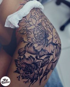 I love this placement #flowertattoo…