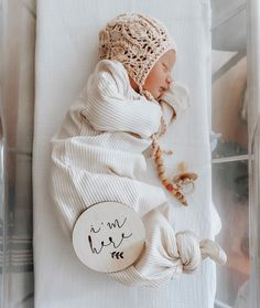 Awesome baby arrival info are offered on our internet site. Read more and you will not be sorry you did. Baby Hospital Pictures, Cute Baby Pictures, Newborn Pictures, Erwarten Baby, Our Baby, Baby Love, Baby Girls, Newborn Announcement, Baby Arrival Announcement