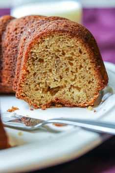 If you are not familiar with plantain bread (plantain cake), you are in for a treat. This bread is gluten-free, delicious, and is perfect for breakfast. Summer Cake Recipes, Easy Brunch Recipes, Healthy Cake Recipes, Dump Cake Recipes, Homemade Cake Recipes, Dessert Recipes, Desserts, Brunch Ideas, Free Recipes