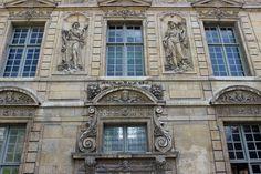 Hôtel de Sully, París. Façade sur jardin.