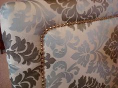 Dishing Up Design: DIY Upholstered Headboard With Nailhead Trim.  Selbstgemachtes PolsterkopfteilSelbstgemachte KopfteileIdeen ...
