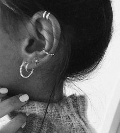 Silver ear cuff No Piercing Cartilage earrings for Women Wedding Silver Jewelry statement cuffs earrings - Custom Jewelry Ideas Daith Piercing, Ear Peircings, Cute Ear Piercings, Cartilage Earrings, Stud Earrings, Diamond Earrings, Chandelier Earrings, Statement Earrings, Tassel Earrings