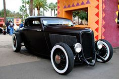 1932/1933 Ford Coupe
