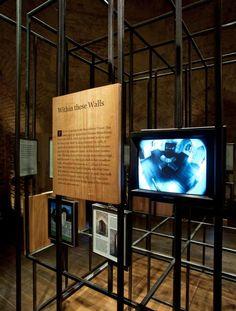 Tower of london – beauchamp tower – permanent exhibition Museum Exhibition Design, Exhibition Display, Exhibition Space, Design Museum, Exhibition Ideas, Museum Studies, Museum Displays, Tower Of London, Environmental Design