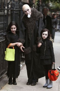The Best Celebrity Halloween Costumes Brooke Shields did her best Uncle Fester impression as she walked in the West Village, New York, with daughters Rowan and Grier. Best Celebrity Halloween Costumes, Classic Halloween Costumes, Halloween Costume Contest, Costume Ideas, Awesome Costumes, Beautiful Costumes, Happy Halloween, Halloween Queen, Fall Halloween