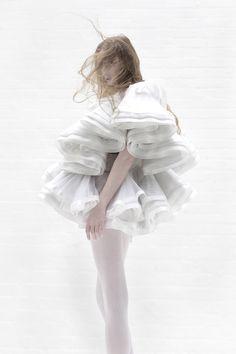 Sculptural Fashion - short white dress with voluminous ruffles - shape & structure; 3D fashion // Robert Wun
