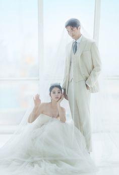 Pre Wedding Photoshoot, Wedding Poses, Wedding Suits, Wedding Engagement, Wedding Dresses, Korean Wedding, Wedding Bells, Marriage, Wedding Photography