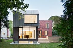 architecture office naturehumaine has completed an addition to a small house, known as the 'dulwich residence', in the suburbs of montreal, canada. Architecture Résidentielle, Cabinet D Architecture, Classical Architecture, Steel Cladding, Canada House, Prairie House, A Frame House, House Extensions, Best Interior Design