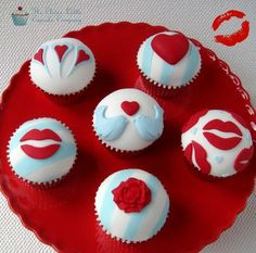 Modern Valentines Day Cupcakes - by CleverLittleCupcake @ CakesDecor.com - cake decorating website