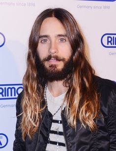 Say good-bye to Jared Leto as you know him.   STOP THE PRESSES: Jared Leto Cut Off His Hair And Beard