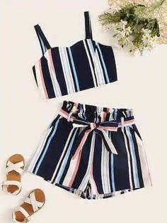 Ensemble 2 pièces jupe et t-shirt Girls Fashion Clothes, Teenage Girl Outfits, Teen Fashion Outfits, Teenager Outfits, Cute Fashion, Outfits For Teens, Girl Fashion, Cute Comfy Outfits, Cute Girl Outfits