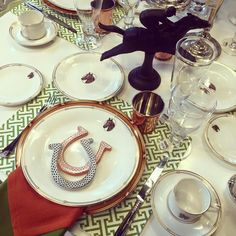 Get Your Home Chic Looking with These 25 Equestrian Chic Decor Ideas Equestrian Decor, Equestrian Style, My Old Kentucky Home, Kentucky Derby, Horse Riding Clothes, Derby Day, Tablescapes, Sweet, Hunting Party