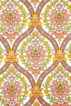 Original vintage wallpaper with baroque wallpaper pattern in pink, purple, yellow and green. A really lovely barok wallpaper ! Vintage Wallpaper Patterns, Paisley Wallpaper, Retro Wallpaper, Fabric Wallpaper, Pattern Wallpaper, Tapestry Wallpaper, Vintage Wallpapers, Flower Wallpaper, Textures Patterns