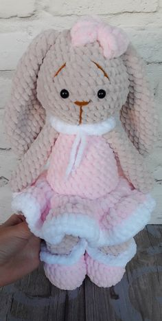 Mesmerizing Crochet an Amigurumi Rabbit Ideas. Lovely Crochet an Amigurumi Rabbit Ideas. Crochet Hook Set, Hand Crochet, Knit Crochet, Crochet Crafts, Crochet Dolls, Crochet Projects, Knitting Bear, Articles Pour Enfants, Knitted Stuffed Animals