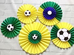 Painel FUTEBOL Fioratas LUXO FESTA COPA Promoção Soccer Theme, Soccer Party, Sports Party, Soccer Ball, Red Balloon, Balloons, Summer Crafts, Diy And Crafts, Brazil Party