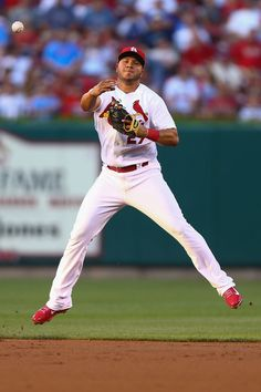 Jhonny Peralta throws to first base after fielding the ball against the Kansas City Royals in the second inning. Cards lost the game Cardinals Players, St Louis Cardinals Baseball, Mlb Stadiums, Better Baseball, Mlb Teams, Team Photos, Kansas City Royals, Sports Stars