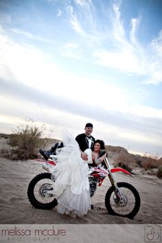 Melissa McClure Photography San Diego and Destination Wedding Blog » Trash the Dress – Desert Style! Part 2 of 2  I LOVE this!!