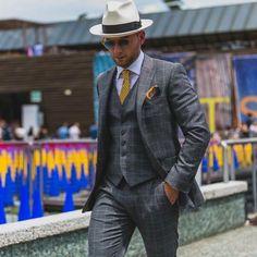 Impeccable look. . #menswear #fashion #sartorial #style #pittiuomo #menwithclass #sartorialist #sartoriale #dapper #bespoke #handmade #ootd #madeinitaly #menstyle #mensfashion #details #class #gentleman #beardedgentlemen #mensstyle #gq #mensfashionreview #mensfashionpost #fashionblogger #suit #streetfashion #instafashion #classy
