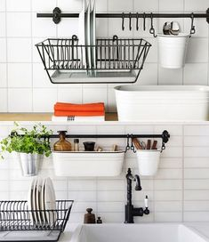 Kitchen rails – useful, versatile and affordable storage solutions - Decoration 4 Ikea Kitchen Organization, Kitchen Wall Storage, Organization Ideas, Ikea Kitchen Shelves, Green Kitchen, Diy Kitchen, Kitchen Decor, Fintorp Ikea, Kitchen Rails