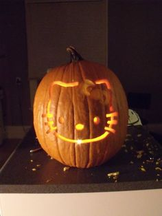 Hello Kitty Pumpkin Carving!  (Cutest pumpkin I've ever done!)