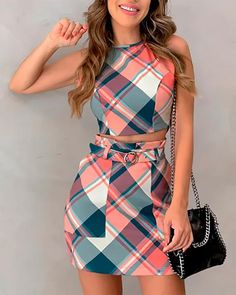 Grid Print Crop Top & Skirt Sets trendiest dresses for any occasions, special event dresses, accessories and women clothing. Crop Top Outfits, Mode Outfits, Fashion Outfits, Woman Outfits, Fashion Boots, Casual Outfits, Crop Tops Y Faldas, Trend Fashion, Womens Fashion