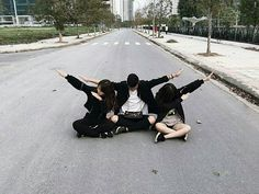 Ulzzang boy and girl Best Friend Pictures, Bff Pictures, Friend Photos, Mode Ulzzang, Ulzzang Boy, Camping Photography, Photography Poses, Boy And Girl Friendship, Friendship Photography