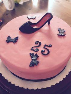 Pumps, shoe Fondant Cake