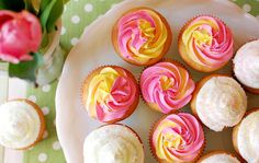 Spring cupcakes...In an icing plastic bag, just put the two colors of icing side by side