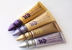What it is:A creamy, nude matte primer that gives you vibrant, crease-free eyeshadow for 24 hours. What it does:Get a primer with multiple benefits. This wear, crease-free shadow provides vibrant color and smoother application. Eden, a nud Urban Decay Primer Potion, Urban Decay Eyeshadow Primer, Urban Decay Makeup, Primer Base, Best Primer, Kiss Makeup, Love Makeup, Makeup Stuff, Hair Makeup