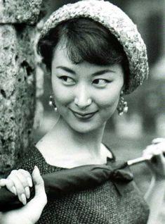 Keiko Kishi (1932 - )