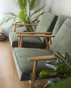Fotel PRL, renowacja mebli, H. Lis, lisek, Lekka Furniture 9 Accent Chairs, Mid Century, Living Room, Architecture, Interior, Furniture, Design, Home Decor, Green Armchair