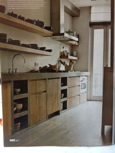 More nice shelving - could I control myself and keep it uncluttered… Kitchen Dinning, Rustic Kitchen, Kitchen Decor, Nice Kitchen, Open Kitchen, Country Kitchen, Küchen Design, House Design, Concrete Kitchen