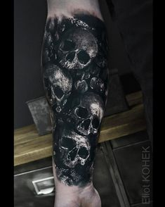 3,275 отметок «Нравится», 26 комментариев — Eliot Kohek (@eliot.kohek) в Instagram: «#catacombs #skull #tattoo  @fusion_ink @killerinktattoo @hustlebutterdeluxe @fkirons…»