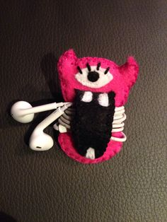 Cute earbuds holder felt monster