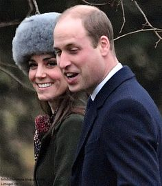 Duchess Kate: The Cambridges & the Middletons Join the Queen for Sunday Service!