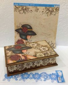Decoupage Box, Decoupage Vintage, Shabby Boxes, Decorative Wooden Boxes, Pretty Box, Altered Boxes, Painted Boxes, Vintage Box, Diy Box