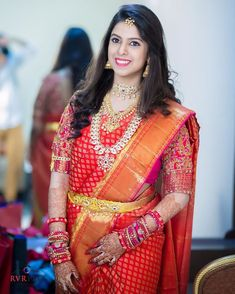 South Indian Wedding Hairstyles For Saree Satin - hairstyle Indian Hairstyles For Saree, South Indian Wedding Hairstyles, Saree Hairstyles, Half Saree Designs, Pattu Saree Blouse Designs, Bridal Blouse Designs, Sari Blouse, Indian Bridal Sarees, Bridal Silk Saree