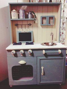 DIY:2才の誕生日にままごとキッチン