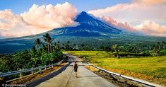 Mayon from Quituinan Hills, Albay 🇵🇭 A post shared by The Philippines 🇵🇭 ( on Jan 2018 at PST Asia Map, Kingfisher, 21st Century, Philippines, Fire, Mountains, Country, Travel, Viajes